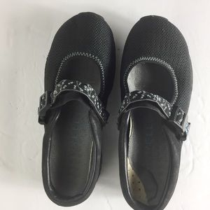 Merrell Black 5.5 Slip On Casual Soft Mule Loafers